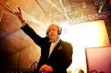 Giorgio Moroder s turnejo proslavlja 80. leta